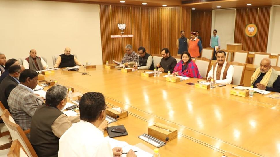 घोषणा पत्र को लेकर दिल्ली में BJP की बैठक, सुशील मोदी और संजय पासवान भी हुए शामिल