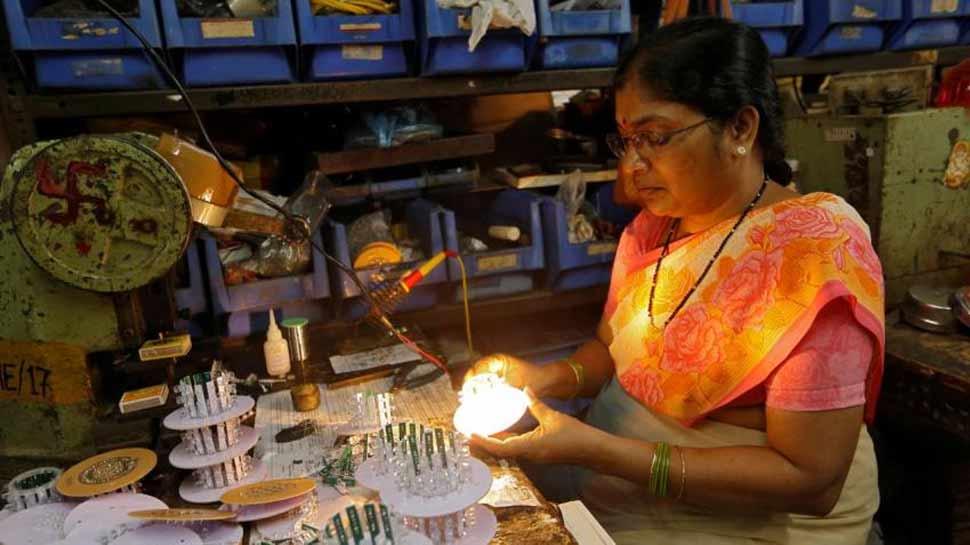 मोदी सरकार की अहम बैठक शुरू, छोटे-मझोले उद्योगों को मिल सकता है तोहफा