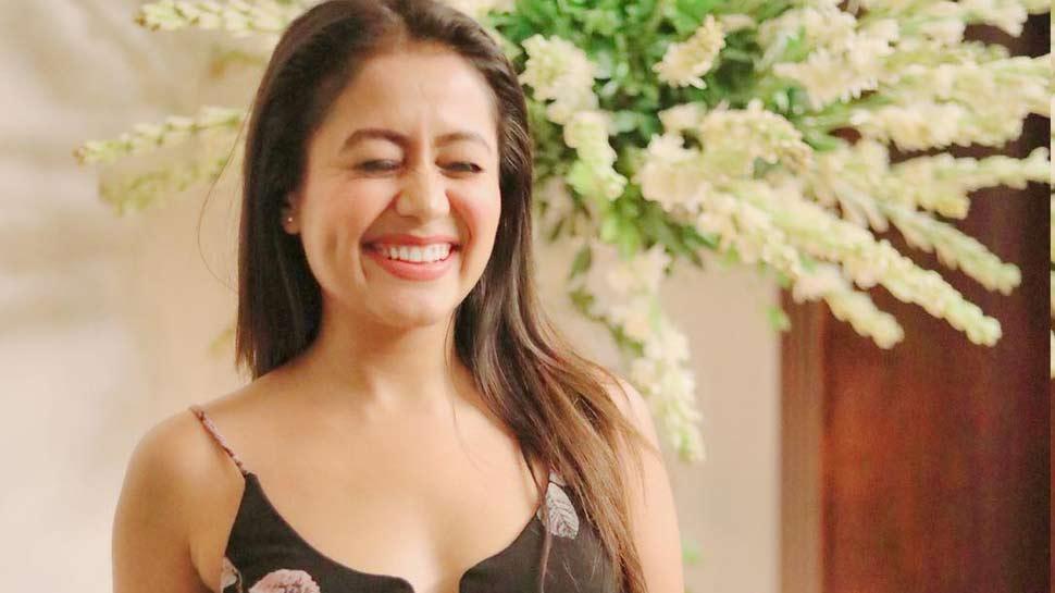 Video : नेहा कक्कड़ के टिक टॉक पोस्ट को मिले 33 लाख व्यूज, फैंस बोले- 'आप बहुत फनी हो'