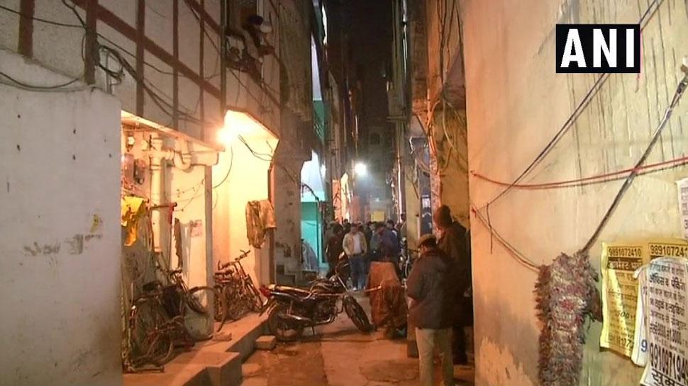 दिल्ली: मामूली झगड़े के बाद पड़ोसी ने किया महिला का मर्डर, पति और बेटे को भी किया घायल
