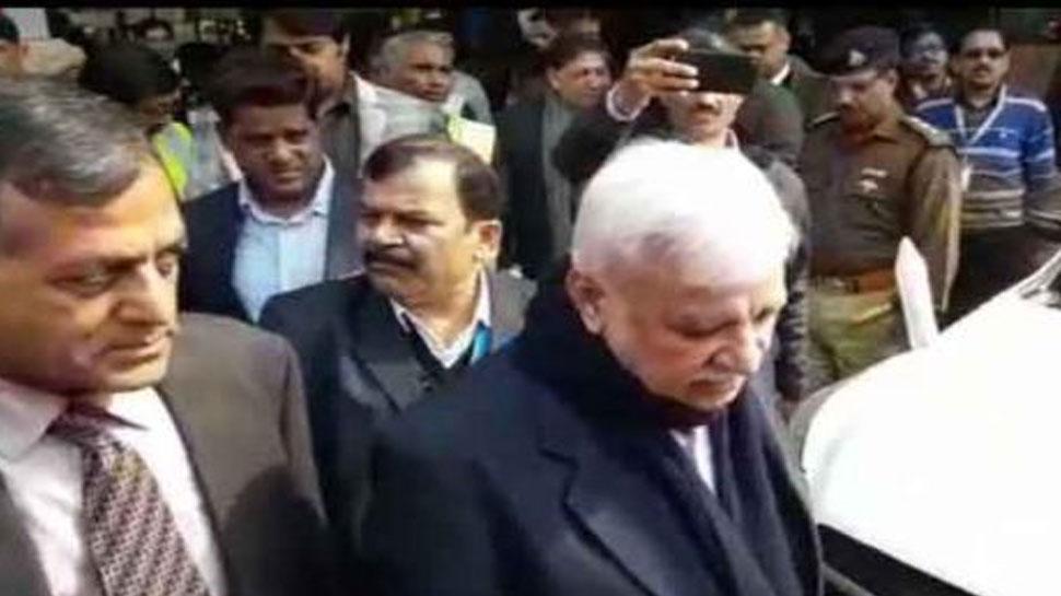 बिहारः चुनाव आयोग की टीम पहुंची पटना, मुख्य चुनाव आयुक्त ने की राजनीतिक दलों से मीटिंग
