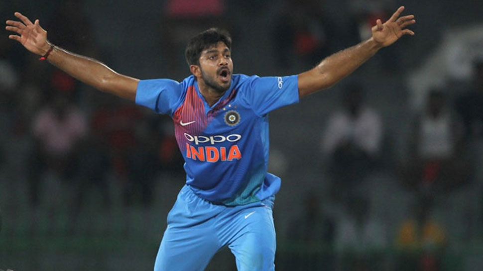 INDvsAUS: मेलबर्न वनडे में विजय शंकर ने किया डेब्यू, भारत के 226वें ODI खिलाड़ी बने