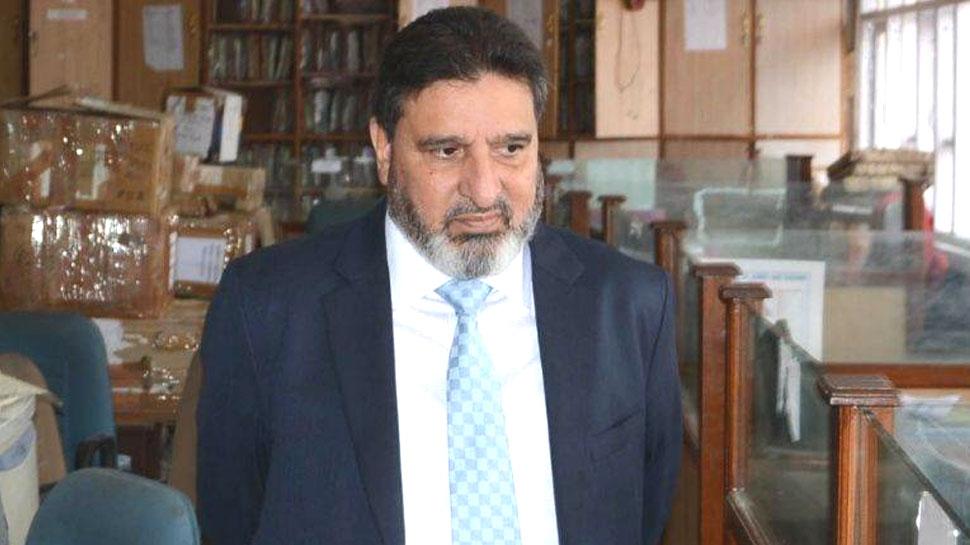 कश्मीर: पीडीपी ने वरिष्ठ नेता अल्ताफ बुखारी को किया बर्खास्त, सामने आई ये वजह