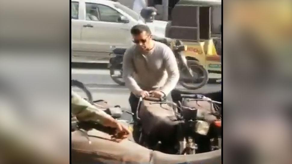 पार्किंग में बाइक लगवाते हुए दिखे 'सलमान खान', वायरल हुआ ये VIDEO