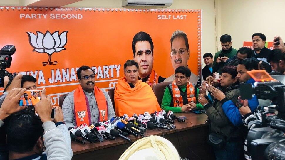 जम्मू में पूर्व मंत्री पवन गुप्ता समेत चार अन्य नेता बीजेपी में शामिल