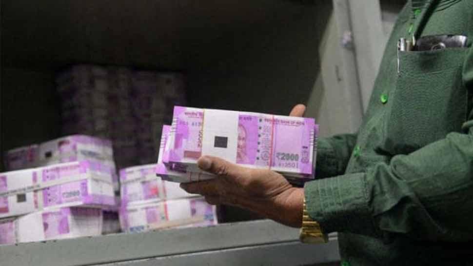 भारत में 9 अमीरों के पास 50% लोगों से ज्यादा संपत्ति, अगले 4 साल में हर रोज 70 अमीर बढ़ेंगे