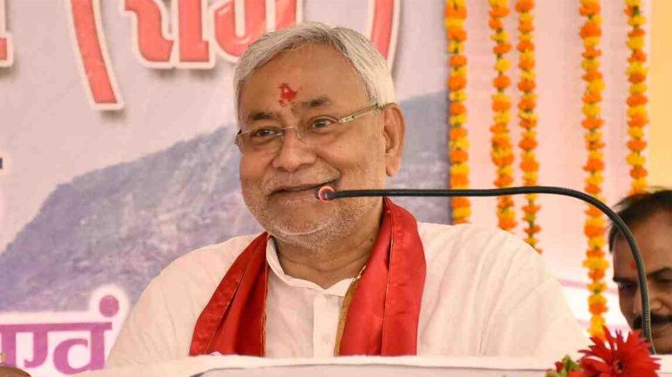 बिहार में जल्द लागू होगा गरीब सवर्ण आरक्षण : नीतीश कुमार