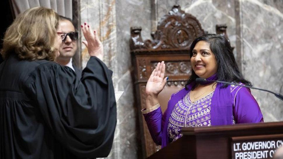 बिहार की बेटी ने अमेरिका में गीता के साथ ली सीनेटर की शपथ, जय हिंद का लगाया नारा