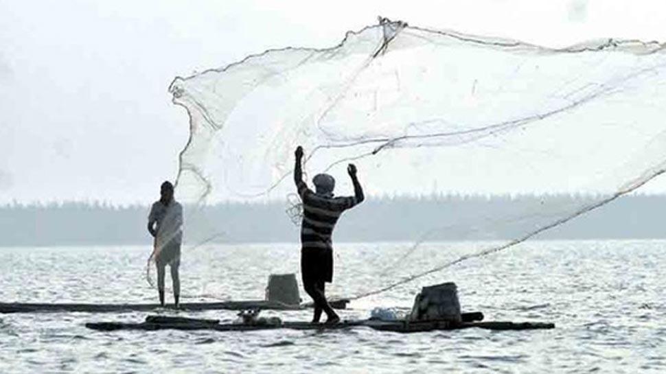 पाकिस्तानी सुरक्षा बलों की नापाक हरकत, भारतीय नौका पर गोलाबारी कर डुबो दिया