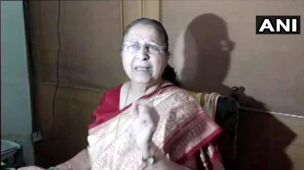 प्रियंका को पद देकर राहुल ने कबूला कि वह अकेले राजनीति नहीं कर सकते : सुमित्रा महाजन