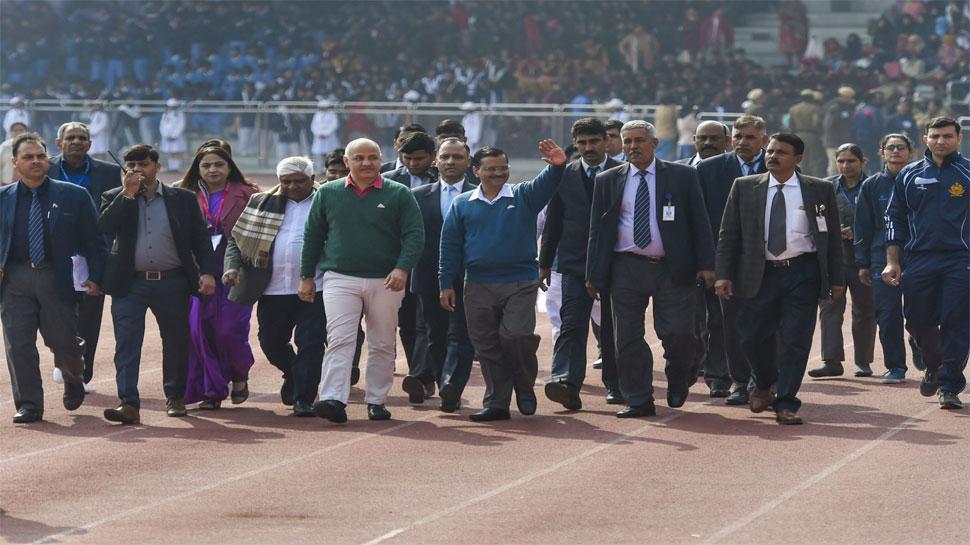 AAP सरकार के कामकाज में बाधाएं पैदा करना 'देश के साथ धोखा' है: केजरीवाल