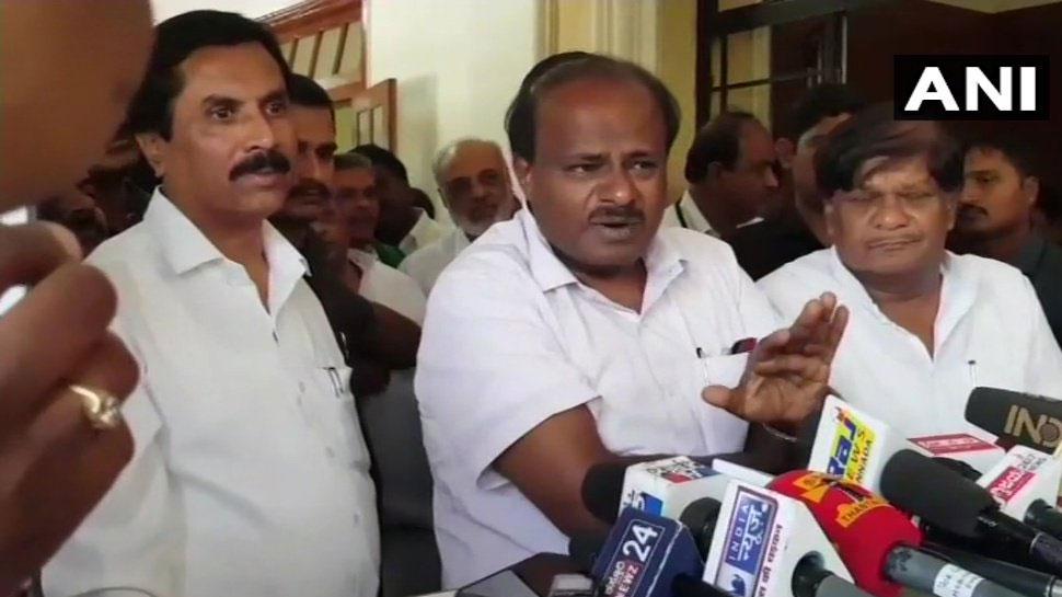 कर्नाटक CM कुमारस्वामी बोले, 'BJP का ऑपरेशन लोटस अब भी जारी', येदियुरप्पा ने आरोप नकारा