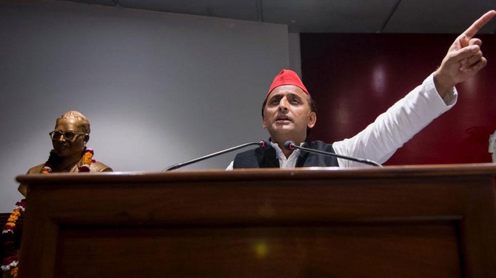 अखिलेश बोले, 'कांग्रेस को BJP के खिलाफ लड़ना है तो SP-BSP गठबंधन का समर्थन करे'