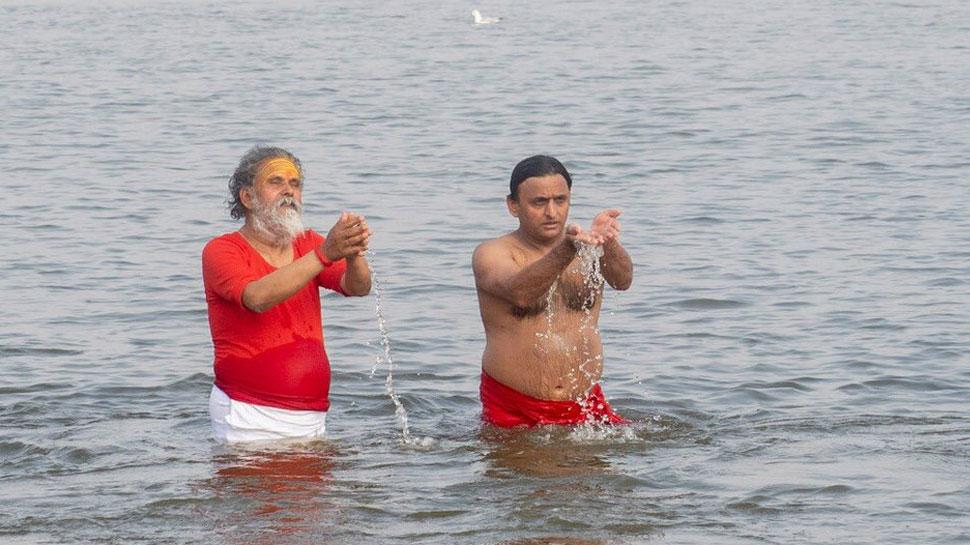 VIDEO: कुंभ में डुबकी लगाने के बाद अखिलेश को याद आया गीता का ज्ञान, बताए जीवन के 2 लक्ष्य