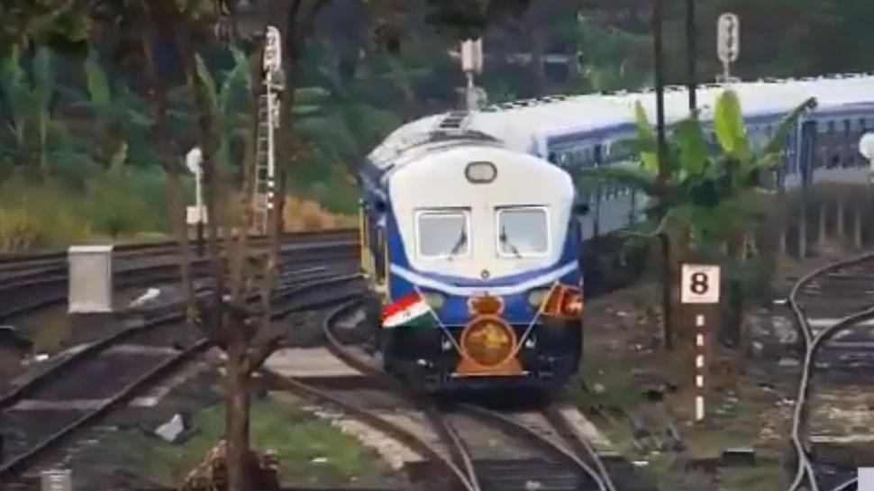 दुनियाभर में ब्रांड इंडिया का जलवा, श्रीलंका में दौड़ी भारत में बनी ट्रेन