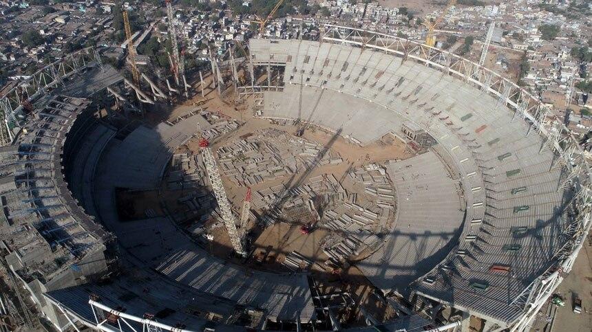 गुजरात में बन रहा है दुनिया का सबसे बड़ा क्रिकेट स्टेडियम, 700 करोड़ की आएगी लागत