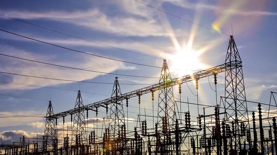 कर्ज माफी के बाद कमलनाथ सरकार का किसानों को एक और तोहफा, बिजली बिल होगा आधा