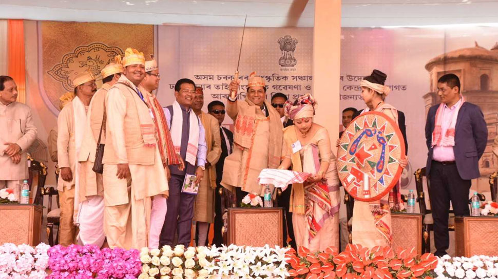 असम: ताई आहोम समुदाय ने पूर्वजों की याद में मनाया 'मे-दम- में- फि' धार्मिक उत्सव