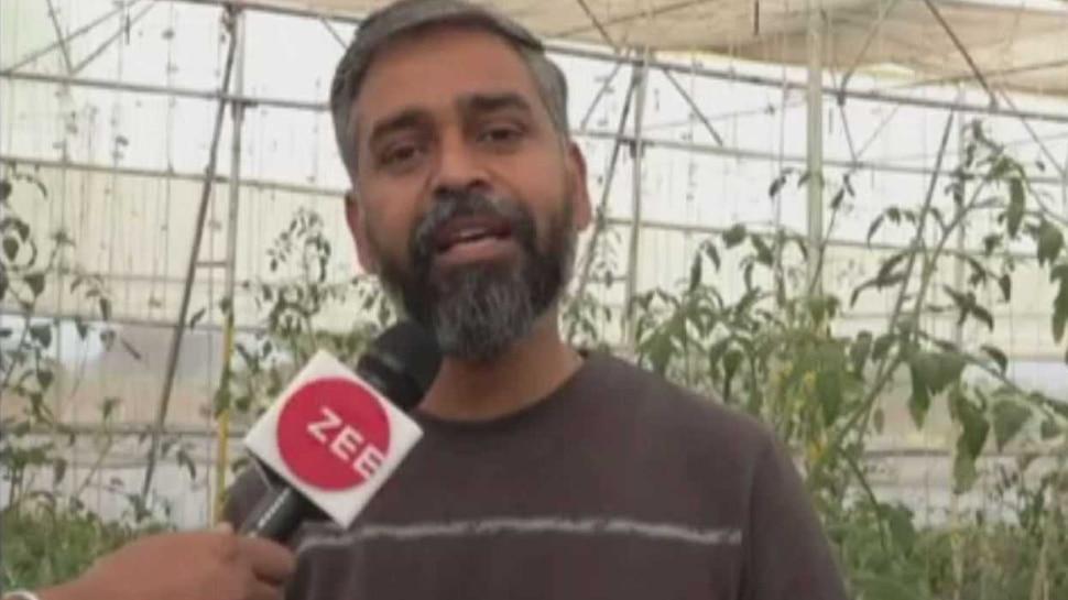 बैंक की नौकरी छोड़ किसान बना यह शख्स, जैविक खेती से कमा रहा है इतना मुनाफा