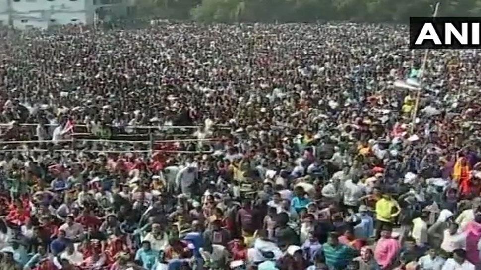 पश्चिम बंगाल में PM मोदी की रैली में भगदड़ जैसी स्थिति, कई घायल