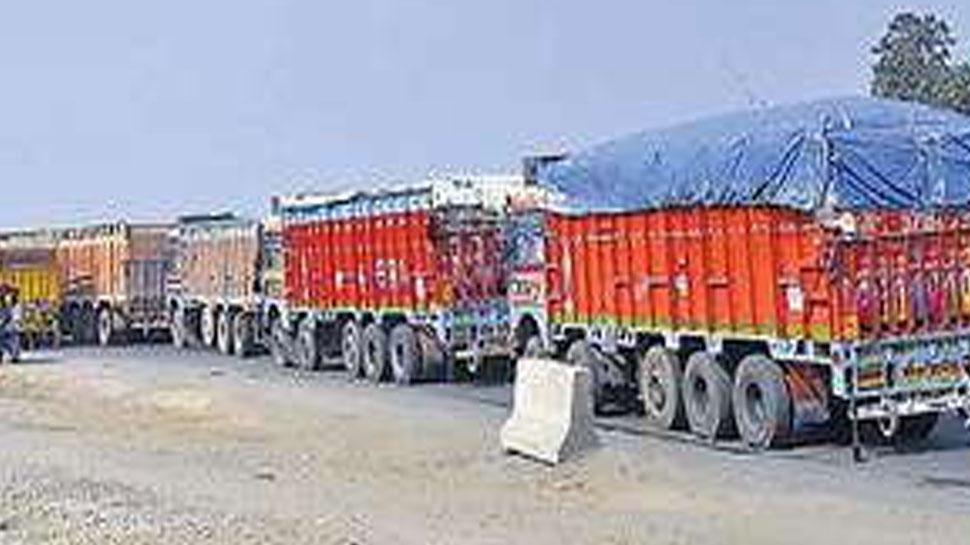 बिहारः कैमूर में चेक पोस्ट पर तैनात आरटीओ के साथ लूट, गाड़ी को तोड़ा