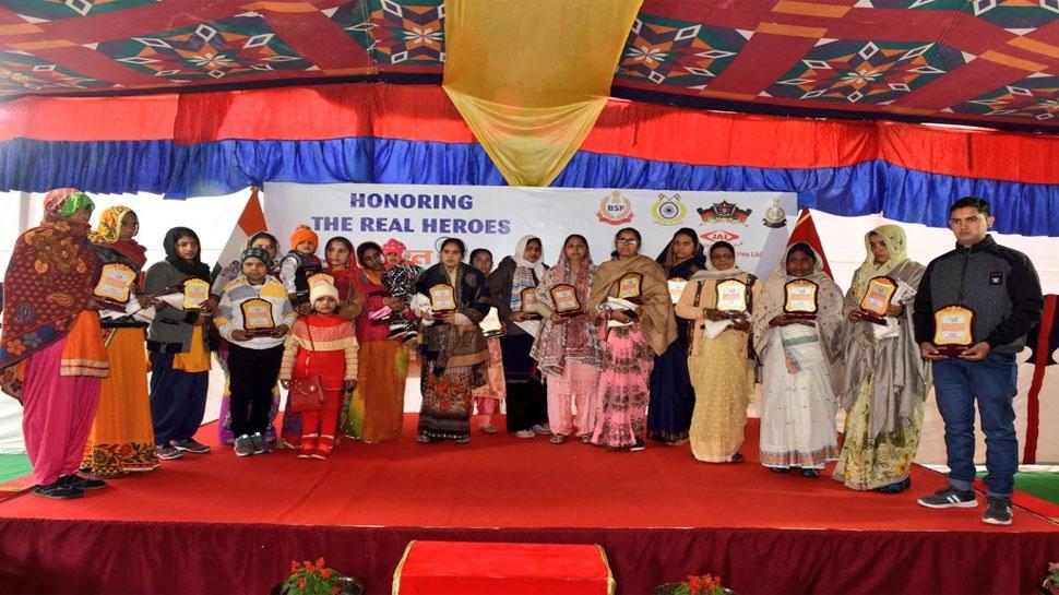 भारत के वीर : शहीद CAPF जवानों के परिवारों को दिए गए 2.5-2.5 लाख रुपये