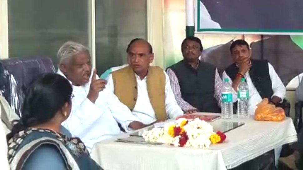 VIDEO: कमलनाथ के मंत्री की हिदायत, राहुल गांधी की सभा में भीड़ नहीं लाए तो लगेगा 5000 रुपए जुर्माना