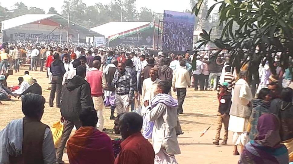 राहुल गांधी की रैली में जेबकतरों ने पार किए मोबाइल, पुराने कांग्रेसियों को VIP पास तक नहीं मिले