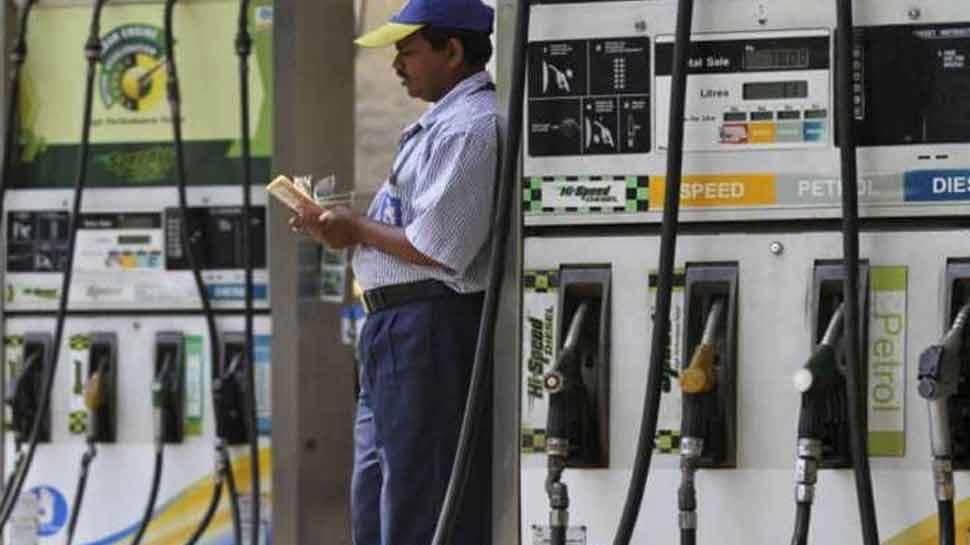 इस तरह से पेट्रोल पंपों पर रुक सकती है ग्राहकों से धोखाधड़ी! सुप्रीम कोर्ट ने भी सरकार से कहा 'ध्यान दें'