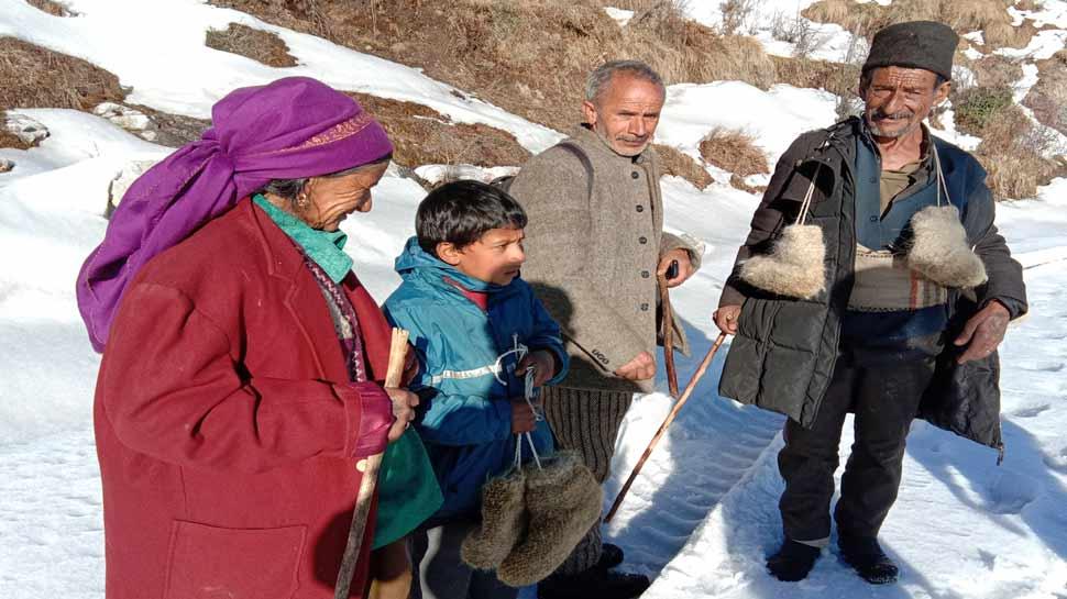 उत्तराखंड: बर्फीले इलाकों में कैसे रहते है ग्रामीण, जानेंगे तो चौंक जाएंगे आप