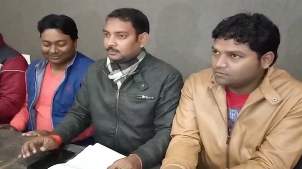 'अलीगढ़ मुस्लिम यूनिवर्सिटी में VC 15 दिन में मंदिर बनवाएं, वरना युवा मोर्चा खुद बनवाएगा'