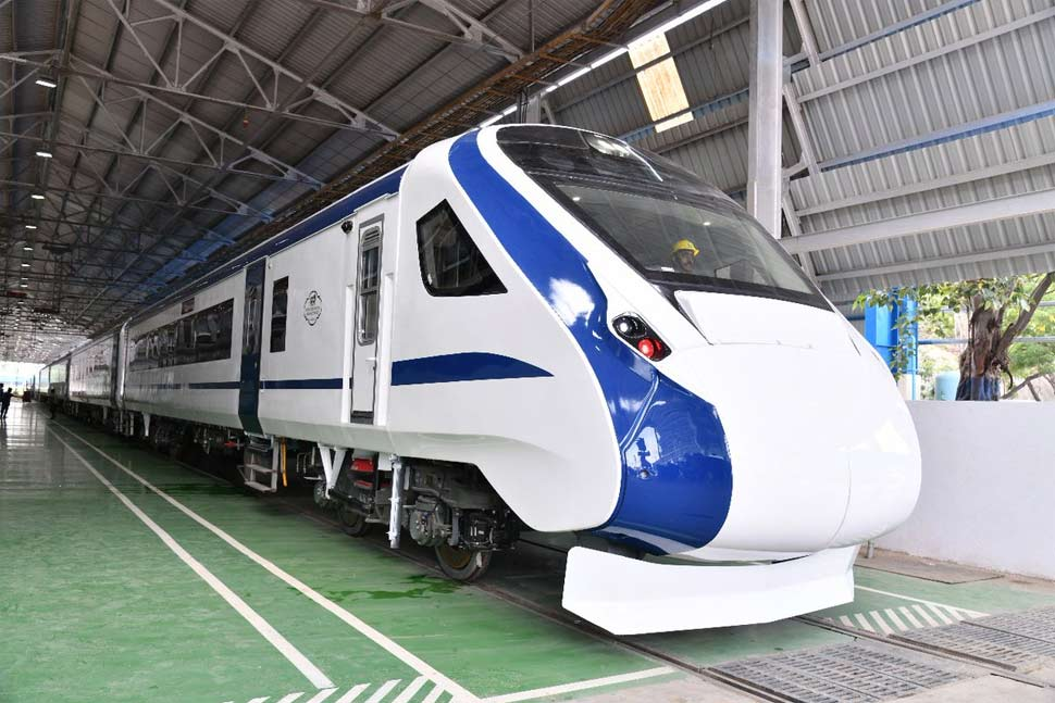 inside pictures and features of vande bharat express