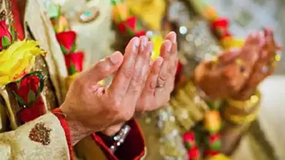 दूल्हा-दुल्हन कर रहे थे शादी के लिए इंतजार, काजी को नहीं मिले पैसे, कहा- 'नहीं पढ़ाऊंगा निकाह'