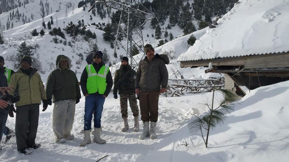 कुलगाम हिमस्खलन: 1 और पुलिसकर्मी का मिला शव, मृतकों की संख्या पहुंची आठ