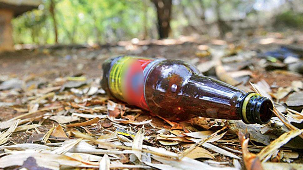 यूपी-उत्'€à¤¤à¤°à¤¾à¤–ंड में जहरीली शराब से अब तक 88 लोगों की मौत, छापेमारी जारी