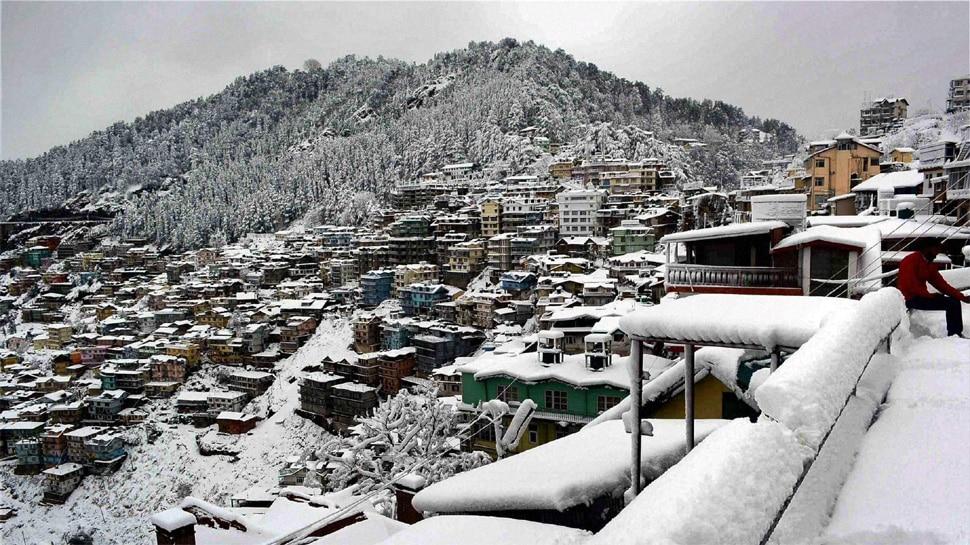 भारी बर्फबारी के बाद शिमला के स्कूलों में बढ़ाई गई शीतकालीन अवकाश की अवधि