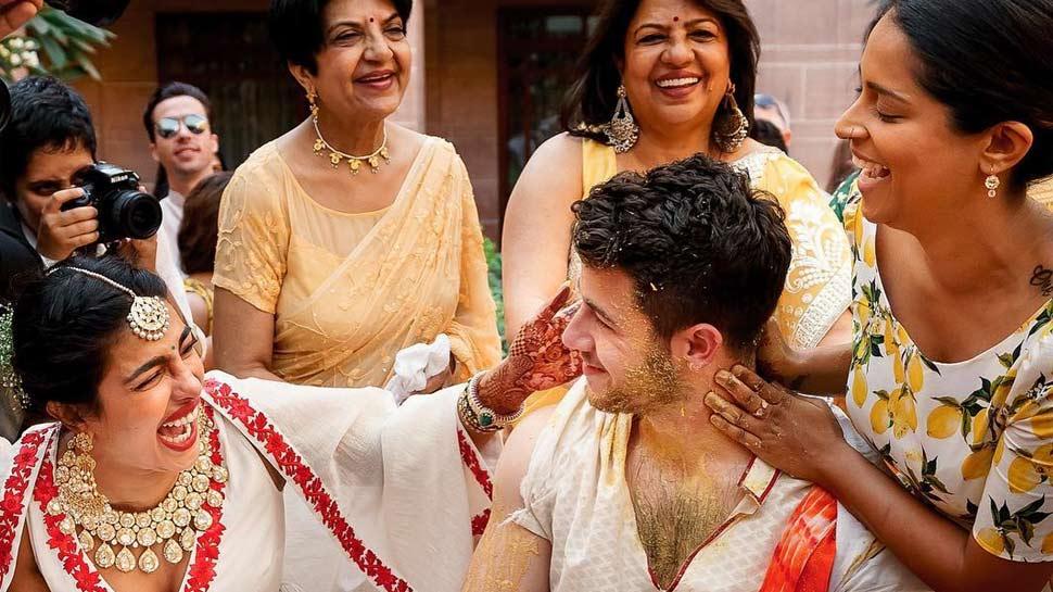 लिली सिंह ने वायरल की प्रियंका चोपड़ा की हल्दी सेरेमनी की Photos, निक को देखकर हंसती रहीं देसी गर्ल