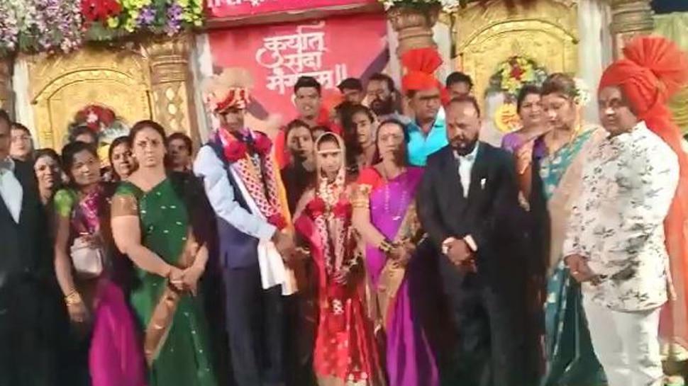 अमरावती में चर्चा का विषय बनी दिव्यांग जोड़े की शादी, आशीर्वाद देने सैकड़ों की संख्या में उमड़ी भीड़