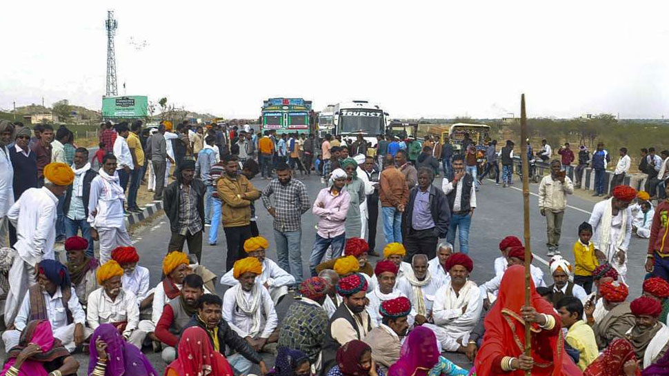 राजस्थान की सड़कों पर उतरे गुर्जर आंदोलनकारी, मचाया उपद्रव