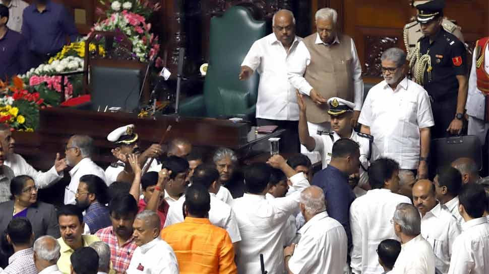 कर्नाटक: सामने आए कांग्रेस के 4 असंतुष्ट विधायक, बोले- मंत्री पद छिनने से निराश थे