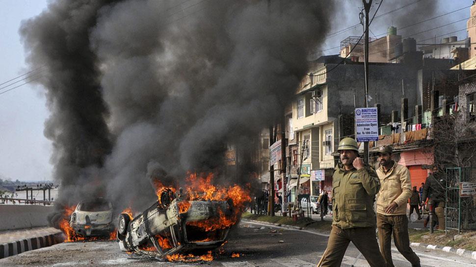 पुलवामा हमले के बाद जम्मू शहर में कर्फ्यू, सेना ने प्रशासन से मदद की अपील की