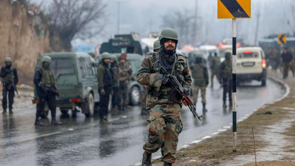 पुलवामा आतंकी हमला: NIA ने शुरू की जांच, 7 लोगों को हिरासत में लिया