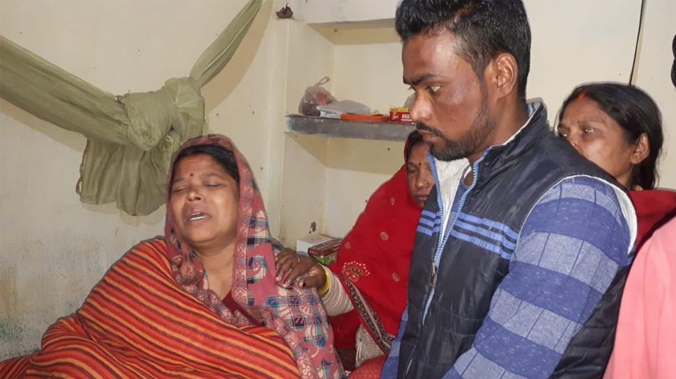 Grief struck family members of Sanjay Kumar Sinha