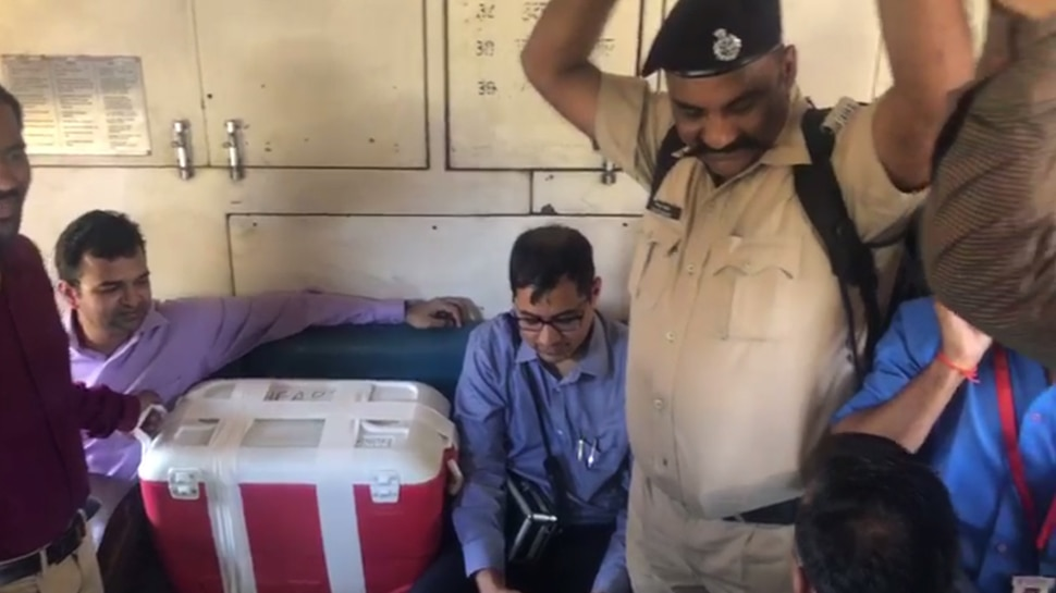 Doctors team delivered Liver from local train