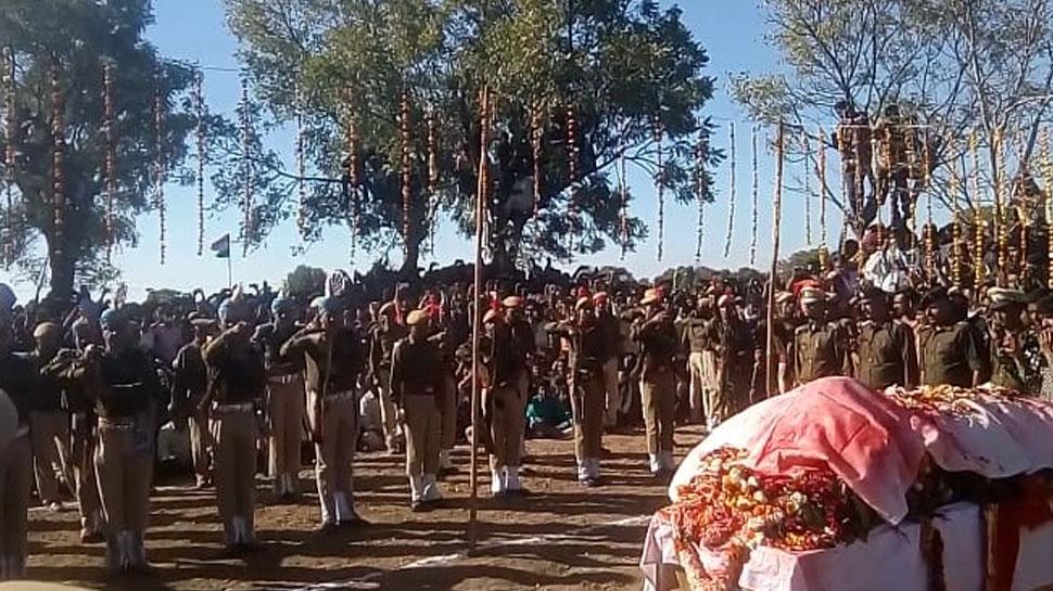 राजस्थान: जाबांज नारायण लाल गुर्जर को दी गई अंतिम विदाई, लगे भारत माता जय के नारे