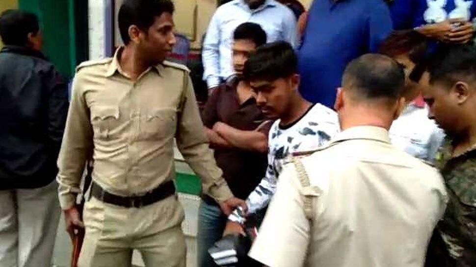प.बंगाल: FBI एजेंट और GST का अफसर बताकर दिखाता था धौंस, दुकानदारों ने कराया गिरफ्तार