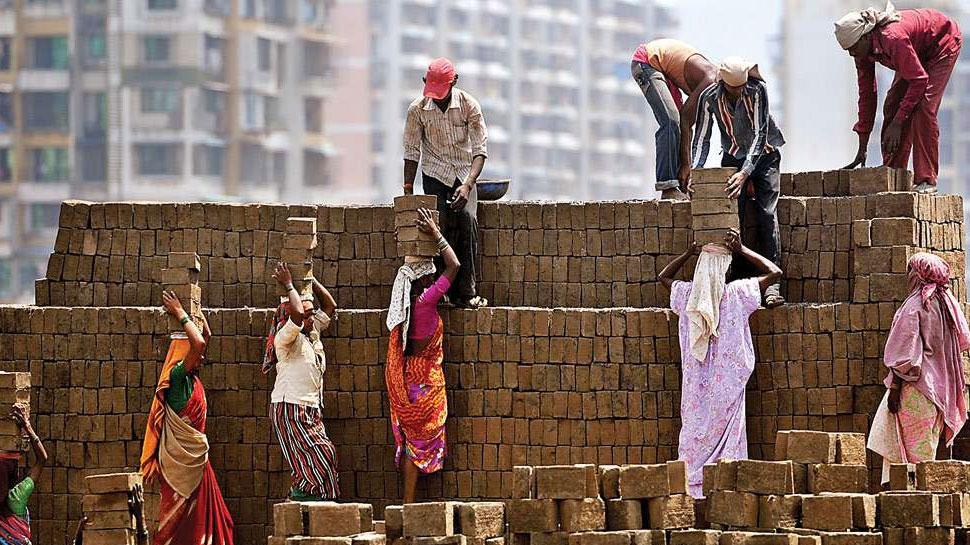 असंगठित क्षेत्र के कामगारों के लिए 3000 रुपये पेंशन देने वाली योजना शुरू, ये है उम्र सीमा