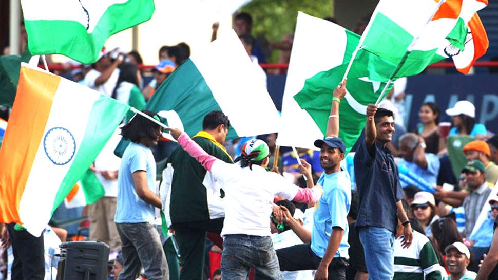 इमरान खान की तस्वीर ढकने वाले सीसीआई की मांग- वर्ल्ड कप में पाकिस्तान का बायकॉट करे भारत