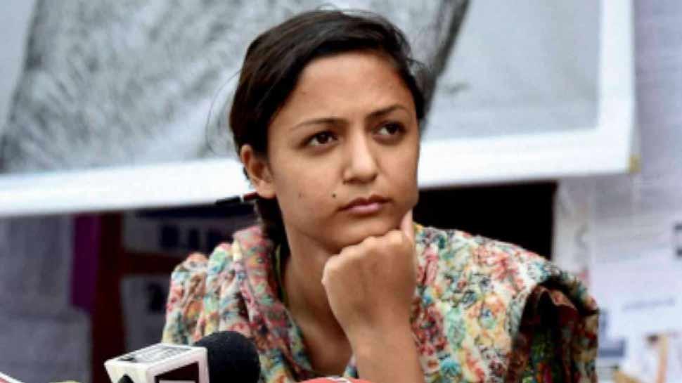 'फेक न्यूज' फैलाने के आरोप में JNU की एक्टिविस्ट शेहला राशिद पर मुकदमा दर्ज