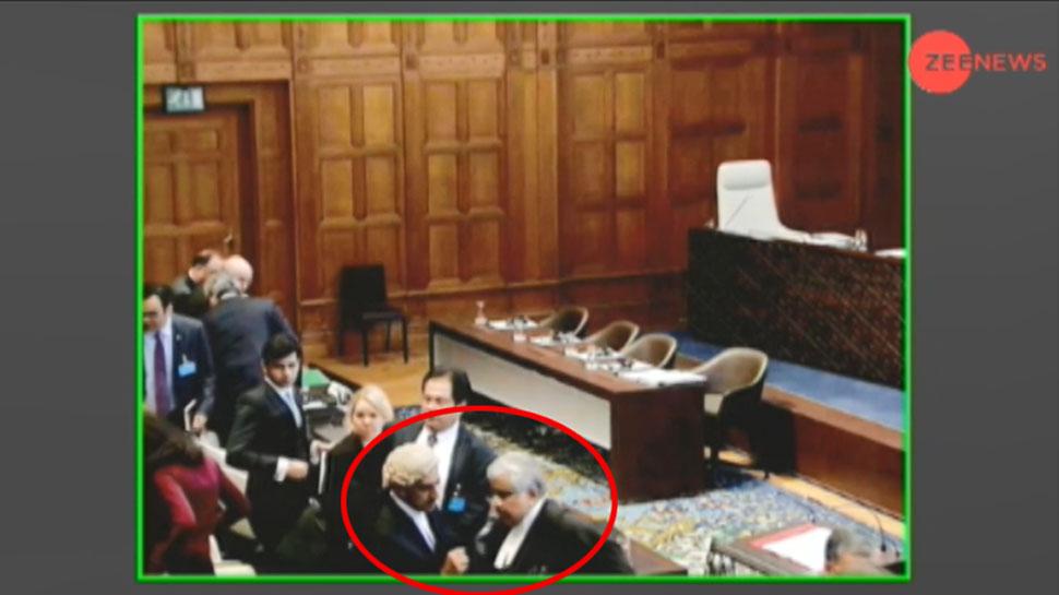 कुलभूषण केस: ICJ में कॉफी ब्रेक के दौरान PAK वकील ने हरीश साल्वे से कुछ कहना चाहा, नहीं मिला भाव